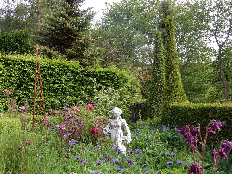 Blick in den Garten - Ferienwohnung in Wasungen